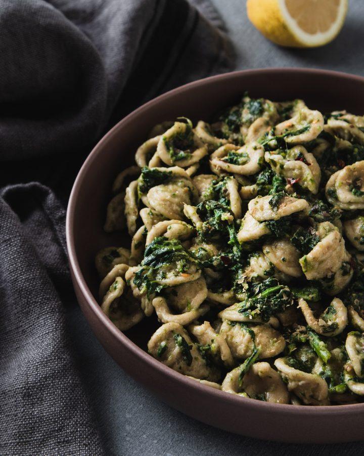 Orecchiette con cime di rapa e olive taggiasche